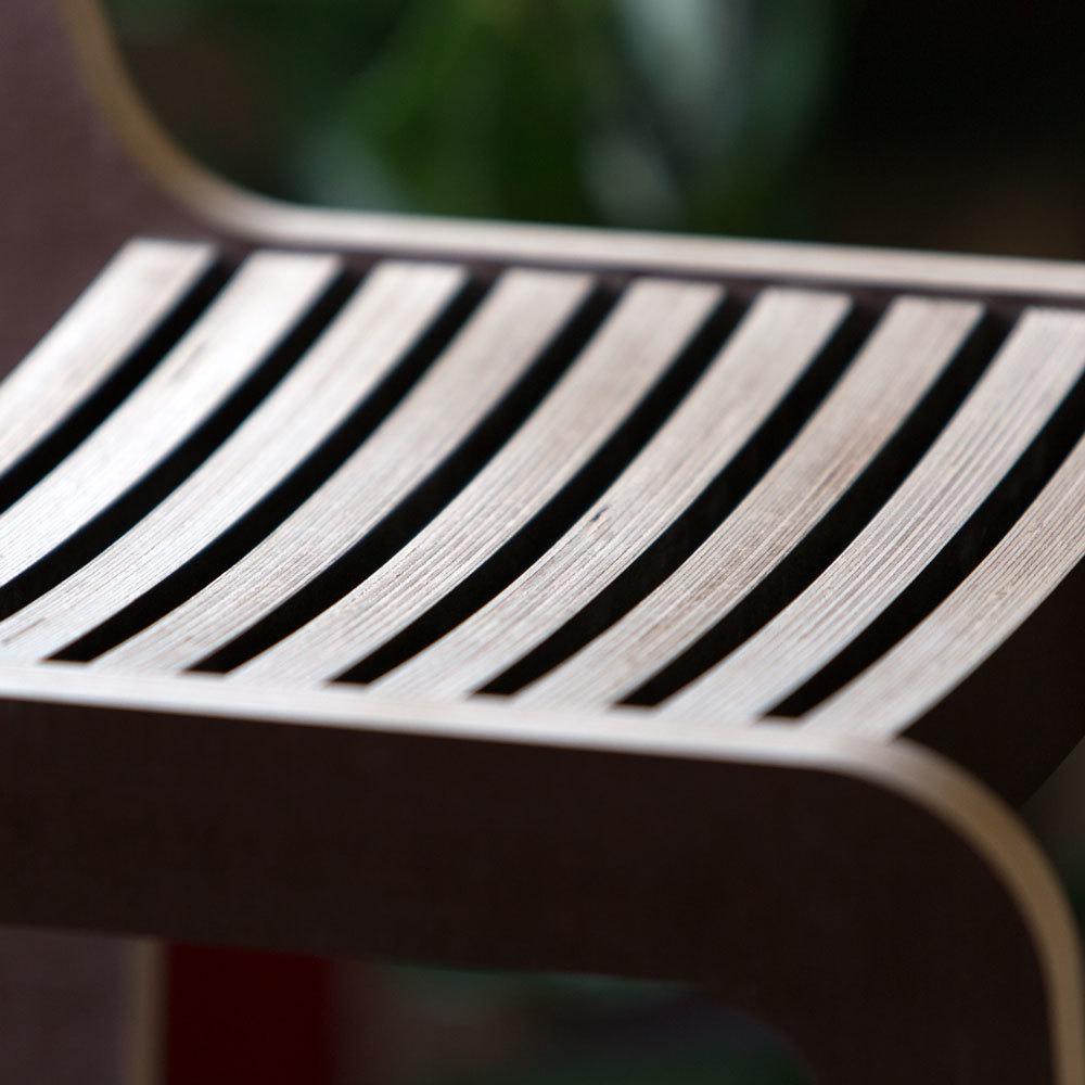 Барный стул ламинированный